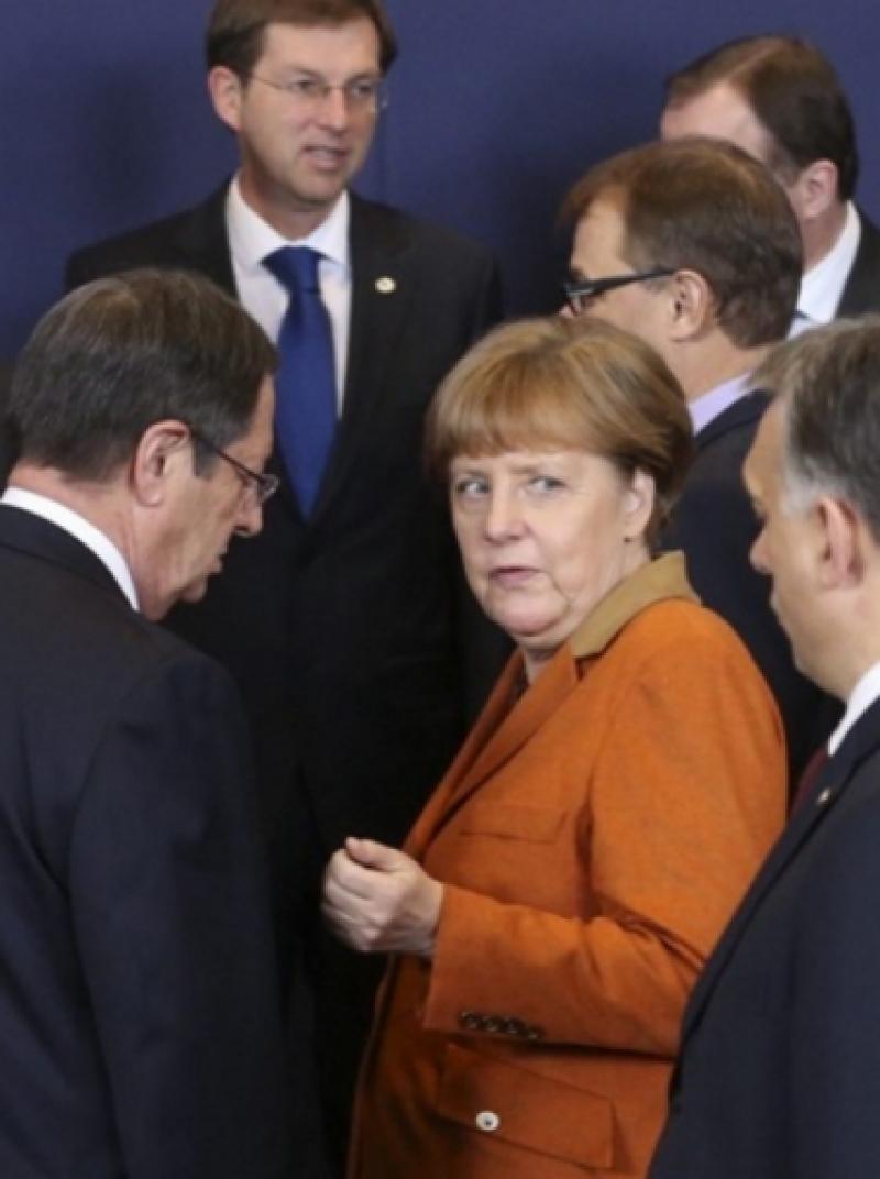 Меркель заявила о невозможности для Европы полагаться на защиту США